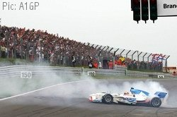 Neel Jani celebrates winning the title with a crowd-pleasing donut