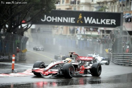 Lewis Hamilton in the Monaco rain