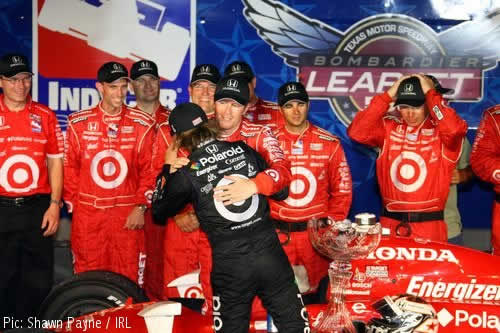 Dan Wheldon gatecrashes Scott Dixon's party