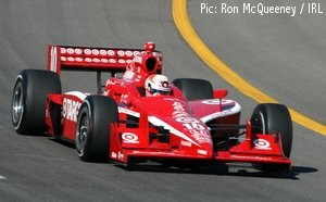 Dan Wheldon in practice at the Iowa Speedway