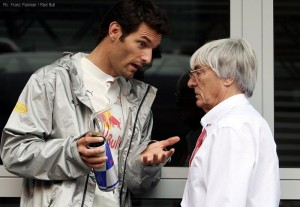 Mark Webber bends Bernie's ear