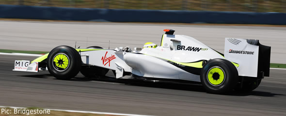 Jenson Button in qualifying action