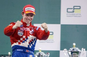 Oliver Turvey triumphed in the Abu Dhabi feature race