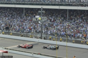 Dario Franchitti holds off Dan Wheldon for the win