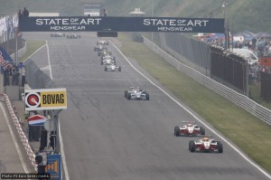 The safety car has come in and Sims leads at the start
