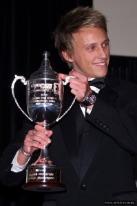 Daniel McKenzie receives his trophy as 2009 British F3 National Class champion