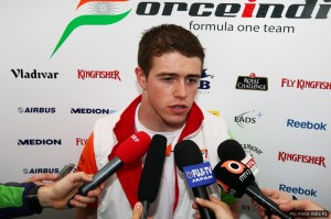 Paul di Resta, Force India F1, with the media.