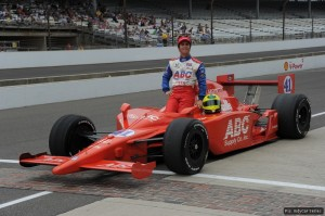 Bruno Junqueira qualified, but then lost his car to Ryan Hunter-Reay
